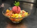 Photo Salade de fruits frais de saison, sirop, sorbet fraise-basilic et sucre pétillant - La Salle à Manger